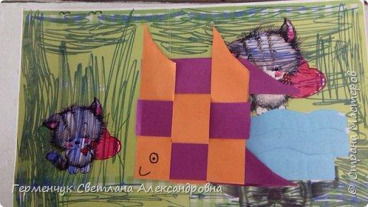 """Ребята 3 """"А"""" класса  учились переплетению полосок цветной бумаги . Получились  вот такие красавицы рыбки!  Придумывали  фантастические истории  со сказочными рыбками. Рыбка, которая познакомилась с акулой фото 13"""