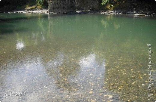 Описание местности. Примерно на середине дороги от пос. Хамышки до пос. Гузерипль республики Адыгея сливаются два мощных горных потока. Это  нижнем течении река Киша, загибаясь на запад, впадает в реку Белая.  фото 6