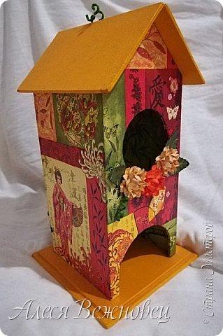 Чайный домик для подружки с изображением японочки).Цветы из акварельной бумаги, раскрашены акриловыми красками. фото 2