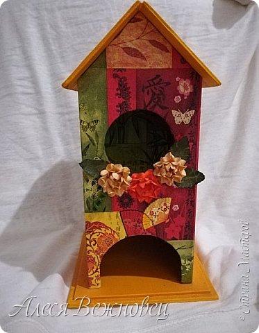 Чайный домик для подружки с изображением японочки).Цветы из акварельной бумаги, раскрашены акриловыми красками. фото 1
