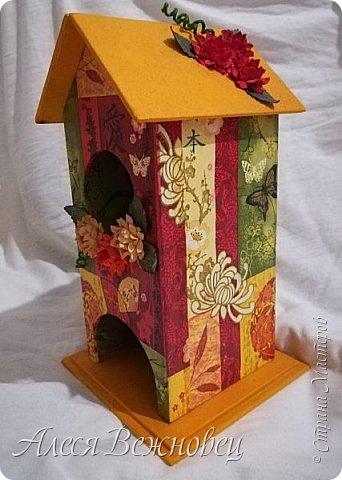 Чайный домик для подружки с изображением японочки).Цветы из акварельной бумаги, раскрашены акриловыми красками. фото 3