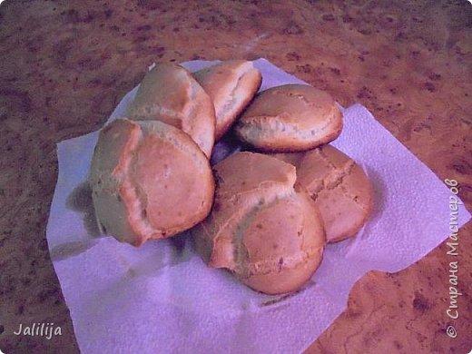 Приветствую  кулинаров Страны Мастеров и предлагаю сегодня очень простой рецепт приготовления хлебчиков на сковороде. Вот таких.  Он действительно  очень прост. На приготовление в целом уходит полчаса. Вместе с подготовкой нужных продуктов.  фото 11