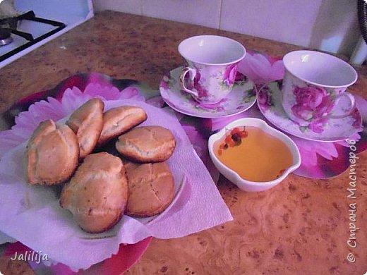 Приветствую  кулинаров Страны Мастеров и предлагаю сегодня очень простой рецепт приготовления хлебчиков на сковороде. Вот таких.  Он действительно  очень прост. На приготовление в целом уходит полчаса. Вместе с подготовкой нужных продуктов.  фото 12