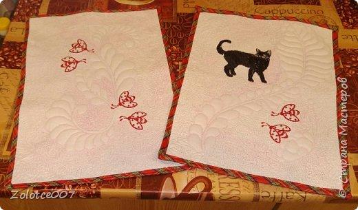 Сестра обожает черных кошек и божьих коровок, вот сделала ей такие салфетки-коврики фото 3