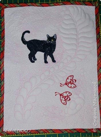 Сестра обожает черных кошек и божьих коровок, вот сделала ей такие салфетки-коврики фото 1