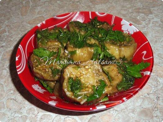 Осень – овощная пора. Недавно добралась я сделать любимую закуску из баклажанов, какую – сейчас расскажу. Придумала я ее сама, рецепт не на для закрутки на зиму, а для съедения, и съедается очень быстро. фото 1