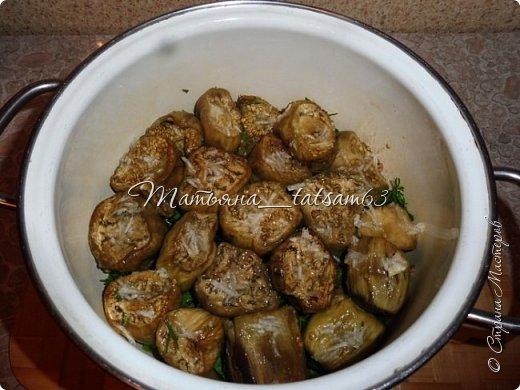 Осень – овощная пора. Недавно добралась я сделать любимую закуску из баклажанов, какую – сейчас расскажу. Придумала я ее сама, рецепт не на для закрутки на зиму, а для съедения, и съедается очень быстро. фото 11