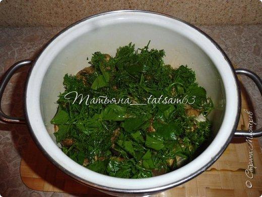 Осень – овощная пора. Недавно добралась я сделать любимую закуску из баклажанов, какую – сейчас расскажу. Придумала я ее сама, рецепт не на для закрутки на зиму, а для съедения, и съедается очень быстро. фото 12