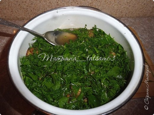 Осень – овощная пора. Недавно добралась я сделать любимую закуску из баклажанов, какую – сейчас расскажу. Придумала я ее сама, рецепт не на для закрутки на зиму, а для съедения, и съедается очень быстро. фото 14