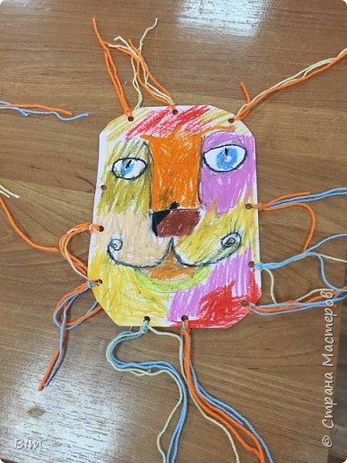 Идея подсмотрена на сайте krakotak . В роботе применялись следующие материалы; маслинная пастель, шерстяные нитки.  фото 3