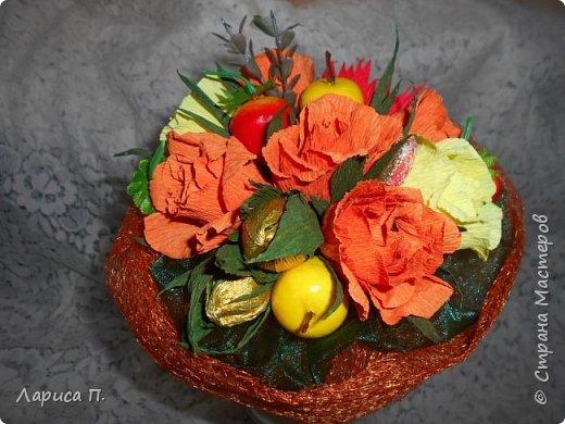 Букеты из св. фруктов и цветочков из конфет ко дню учителя фото 5
