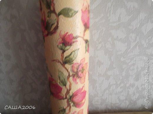 цветочный горшок. обклеила салфетками. бант сделан из старых колготок.покрасила и покрыла лаком фото 2