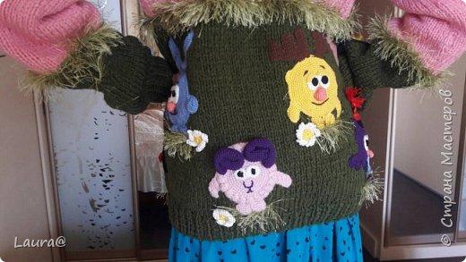 Готовимся к зиме. Дочка попросила свитер с любимыми персонажами, но одевание через голову портит причёску, а без причёски как на свете жить?))  фото 1