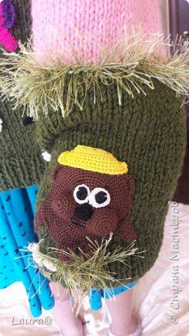 Готовимся к зиме. Дочка попросила свитер с любимыми персонажами, но одевание через голову портит причёску, а без причёски как на свете жить?))  фото 8