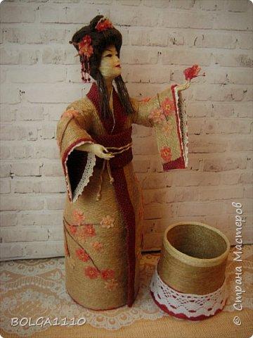Душа девушки-бабочка Нежная как цветок сакуры Стремится на встречу любви  Здравствуйте мои дорогие жители страны.В японской поэзии я конечно не сильна,но так я вижу замысел этой шкатулки.После долгого творческого застоя ,у меня появилась вот такая девочка. Сделана  она для одной замечательной девушки,которая мечтает попасть в Японию. фото 5