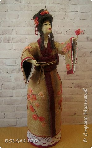 Душа девушки-бабочка Нежная как цветок сакуры Стремится на встречу любви  Здравствуйте мои дорогие жители страны.В японской поэзии я конечно не сильна,но так я вижу замысел этой шкатулки.После долгого творческого застоя ,у меня появилась вот такая девочка. Сделана  она для одной замечательной девушки,которая мечтает попасть в Японию. фото 3