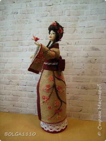 Душа девушки-бабочка Нежная как цветок сакуры Стремится на встречу любви  Здравствуйте мои дорогие жители страны.В японской поэзии я конечно не сильна,но так я вижу замысел этой шкатулки.После долгого творческого застоя ,у меня появилась вот такая девочка. Сделана  она для одной замечательной девушки,которая мечтает попасть в Японию. фото 1