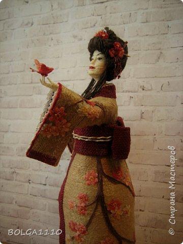 Душа девушки-бабочка Нежная как цветок сакуры Стремится на встречу любви  Здравствуйте мои дорогие жители страны.В японской поэзии я конечно не сильна,но так я вижу замысел этой шкатулки.После долгого творческого застоя ,у меня появилась вот такая девочка. Сделана  она для одной замечательной девушки,которая мечтает попасть в Японию. фото 4