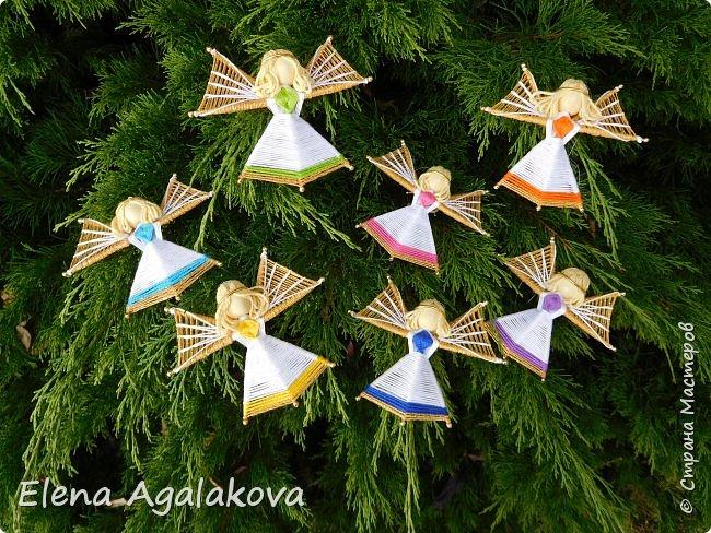 Добрый день ! Я снова плету маленьких ангелочков, они сплетены из ниток на бамбуковых зубочистках. Размером с ладошку. Всех цветов радуги...  фото 2