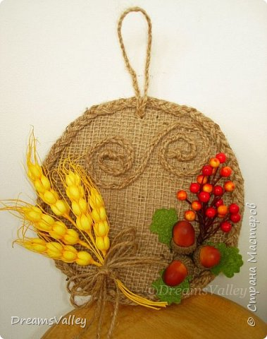 Осень - не время для грусти, а пора ярких красок, шуршащих листьев под ногами и сбора урожая. Пусть и Вас настигнет осеннее вдохновение!