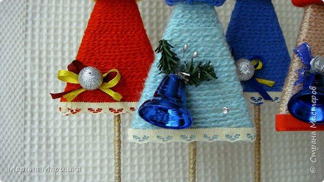 Без суеты и спешки решила начать подготовку к новогодним праздникам. Эти ёлочки давно запали мне в душу и вот я решилась на их изготовление. Подошла к этому процессу с настроением и энтузиазмом! А вдохновение черпала здесь http://stranamasterov.ru/node/991572?c=favorite и здесь http://stranamasterov.ru/node/968066 Ну и конечно же шапочки, а как же без них http://stranamasterov.ru/node/653814?c=favorite В мастер-классах всё подробно написано и показано. фото 3