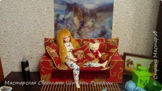 Привет страна, вот такой диванчик для своей куколки я смастерила. Постепенно начинаю обживать будущий дом, хотя сам дом ещё в далёком проэкте. Куколка ростом 38 см. Поэтому жилище надо не маленькое.... фото 5