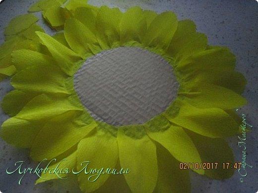 """Презент ко дню учителя """"сладкий подсолнух"""". Люблю подсолнухи, вот решила сделать цветок и подумала, что МК может кому пригодится, в СМ такого не встретила. фото 10"""