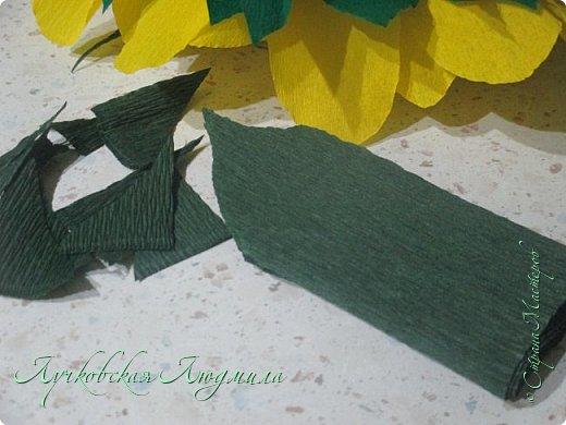 """Презент ко дню учителя """"сладкий подсолнух"""". Люблю подсолнухи, вот решила сделать цветок и подумала, что МК может кому пригодится, в СМ такого не встретила. фото 24"""
