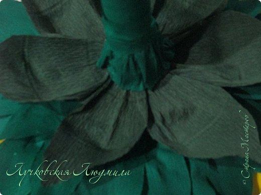 """Презент ко дню учителя """"сладкий подсолнух"""". Люблю подсолнухи, вот решила сделать цветок и подумала, что МК может кому пригодится, в СМ такого не встретила. фото 30"""