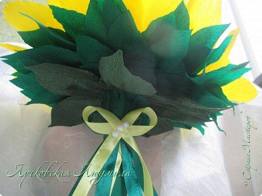 """Презент ко дню учителя """"сладкий подсолнух"""". Люблю подсолнухи, вот решила сделать цветок и подумала, что МК может кому пригодится, в СМ такого не встретила. фото 44"""