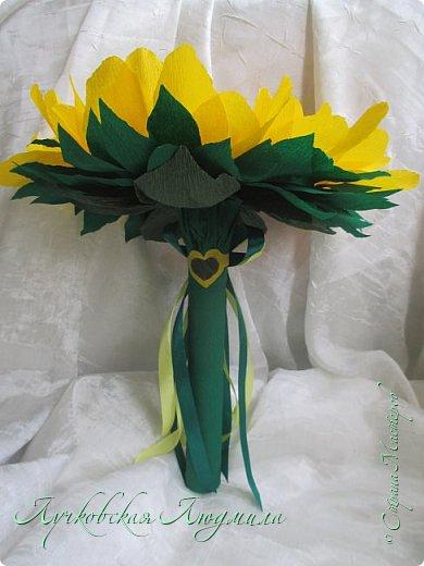 """Презент ко дню учителя """"сладкий подсолнух"""". Люблю подсолнухи, вот решила сделать цветок и подумала, что МК может кому пригодится, в СМ такого не встретила. фото 46"""