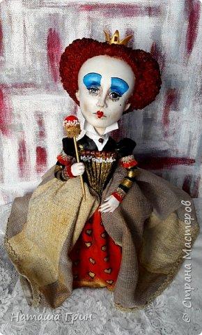Здравствуйте, мои Дорогие! Я опять заглянула к вам в гости:))) И конечно, покажу вам куколок которые я сделала за последнее время. Это вторая моя королева из папье-маше. фото 1