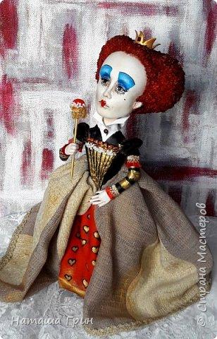 Здравствуйте, мои Дорогие! Я опять заглянула к вам в гости:))) И конечно, покажу вам куколок которые я сделала за последнее время. Это вторая моя королева из папье-маше. фото 2