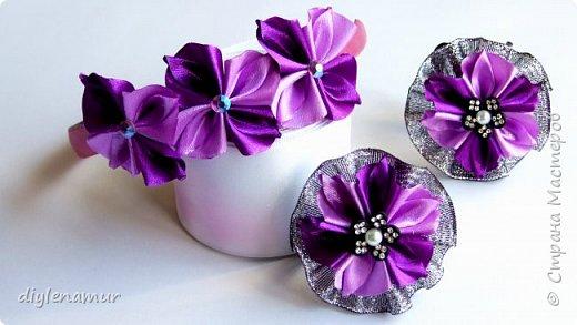 Украшаем резиночку и ободок цветами из лент. Видео мастер-класс