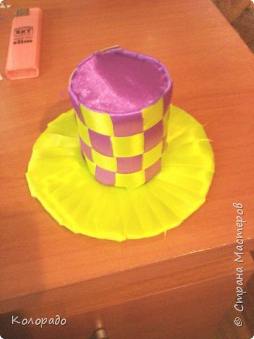 Добрый вечер, дорогие мастерицы! Сегодня я хочу показать вам как сделать красивую шляпку. фото 14