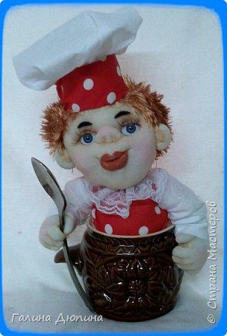 Не так давно начала шить кукол на кухонную тему.Очень нравится!Куколки служат для украшения нашей кухни,они будут нас радовать своим добрым,ласковым взглядом и дарить нам хорошее настроение.Данные поварята мальчик и девочка проживают в Улан-Удэ фото 4