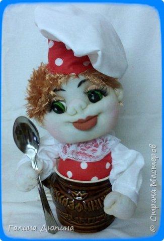 Не так давно начала шить кукол на кухонную тему.Очень нравится!Куколки служат для украшения нашей кухни,они будут нас радовать своим добрым,ласковым взглядом и дарить нам хорошее настроение.Данные поварята мальчик и девочка проживают в Улан-Удэ фото 2