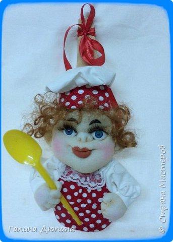 Не так давно начала шить кукол на кухонную тему.Очень нравится!Куколки служат для украшения нашей кухни,они будут нас радовать своим добрым,ласковым взглядом и дарить нам хорошее настроение.Данные поварята мальчик и девочка проживают в Улан-Удэ фото 8