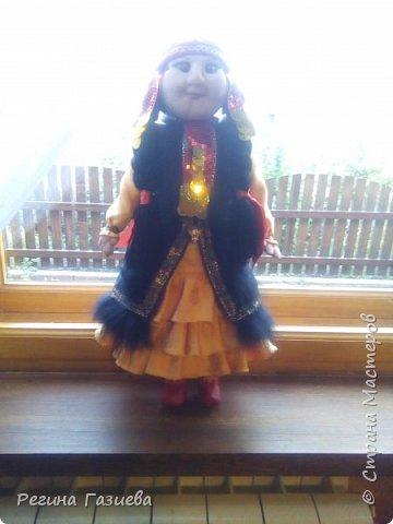 Давно мечтала сделать куклу в родном национальном костюме. Кукла выполнена на заказ, к сожалению, сегодня я с ней рассталась(((. Кукла выполнена в чулочной технике. фото 1