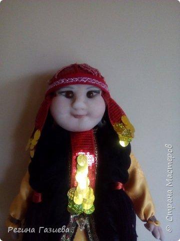 Давно мечтала сделать куклу в родном национальном костюме. Кукла выполнена на заказ, к сожалению, сегодня я с ней рассталась(((. Кукла выполнена в чулочной технике. фото 2