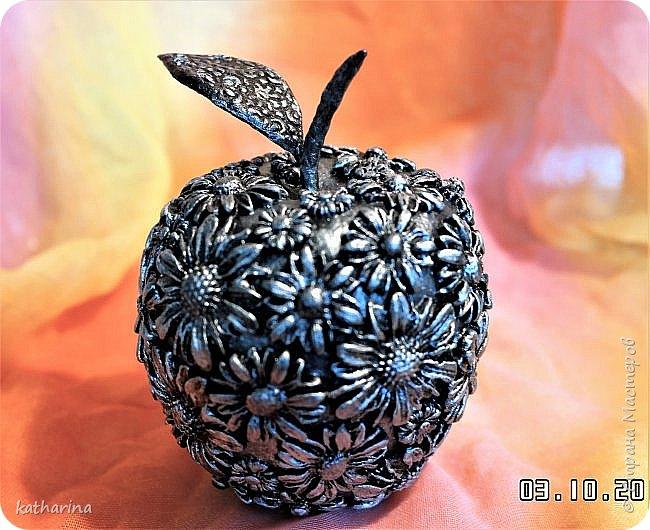 Здравствуй Страна ! Я как всегда не могу останивиться , ну вот и родилось очередное яблочко . И когда я его делала то почему то всё время думала о Галине  http://stranamasterov.ru/user/108361 . Так что дорогая моя яблочко посвящается тебе . фото 7