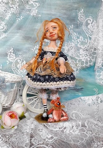 Здравствуйте, мои Дорогие! Не помню показывала ли вам куколку Миранду. Сделала я ее из Ливинг долла. Добрая девочка получилась:) Ручки и тело подвижно из-за проволочного каркаса. фото 4
