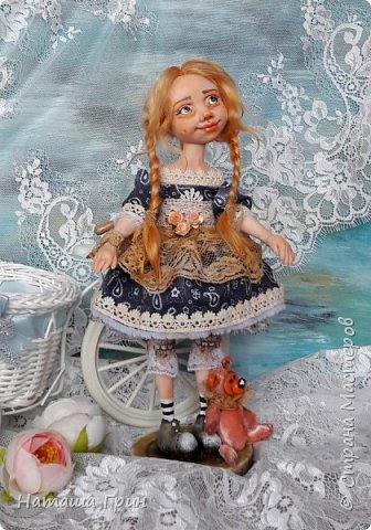 Здравствуйте, мои Дорогие! Не помню показывала ли вам куколку Миранду. Сделала я ее из Ливинг долла. Добрая девочка получилась:) Ручки и тело подвижно из-за проволочного каркаса. фото 2