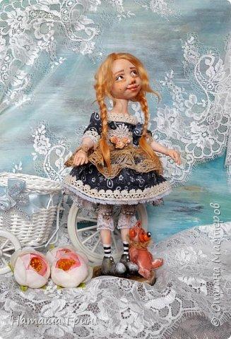 Здравствуйте, мои Дорогие! Не помню показывала ли вам куколку Миранду. Сделала я ее из Ливинг долла. Добрая девочка получилась:) Ручки и тело подвижно из-за проволочного каркаса. фото 5