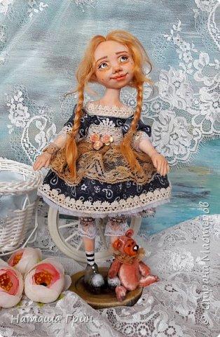 Здравствуйте, мои Дорогие! Не помню показывала ли вам куколку Миранду. Сделала я ее из Ливинг долла. Добрая девочка получилась:) Ручки и тело подвижно из-за проволочного каркаса. фото 1