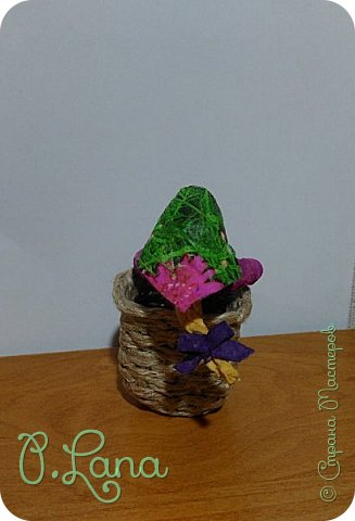 Добрый день!Сегодня у меня родилась новая игрушка из ваты.Маша и медведь. Высота игрушки 9см. Большое спасибо Эл и Оли Симаковой за вдохновение,без них её бы не было. http://stranamasterov.ru/node/1064501    МК по Маше и медведю Эл. http://stranamasterov.ru/node/1068589   тут Оли мишка. фото 12
