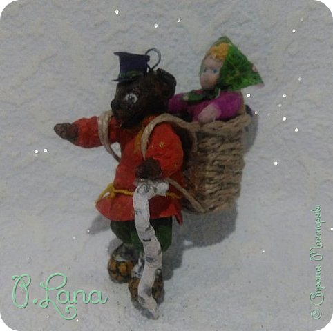 Добрый день!Сегодня у меня родилась новая игрушка из ваты.Маша и медведь. Высота игрушки 9см. Большое спасибо Эл и Оли Симаковой за вдохновение,без них её бы не было. http://stranamasterov.ru/node/1064501    МК по Маше и медведю Эл. http://stranamasterov.ru/node/1068589   тут Оли мишка. фото 2
