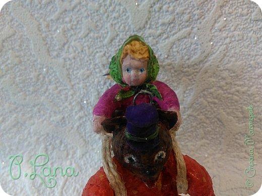 Добрый день!Сегодня у меня родилась новая игрушка из ваты.Маша и медведь. Высота игрушки 9см. Большое спасибо Эл и Оли Симаковой за вдохновение,без них её бы не было. http://stranamasterov.ru/node/1064501    МК по Маше и медведю Эл. http://stranamasterov.ru/node/1068589   тут Оли мишка. фото 8