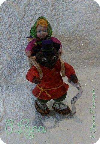 Добрый день!Сегодня у меня родилась новая игрушка из ваты.Маша и медведь. Высота игрушки 9см. Большое спасибо Эл и Оли Симаковой за вдохновение,без них её бы не было. http://stranamasterov.ru/node/1064501    МК по Маше и медведю Эл. http://stranamasterov.ru/node/1068589   тут Оли мишка. фото 18