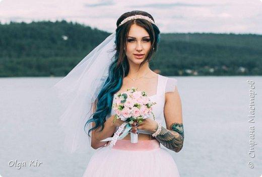 Приветствую вас дорогие мастера и рукодельницы!  Сегодня у меня небольшой  свадебный комплект, и очень захотелось показать саму невесту. Красивая, креативная, я балдею от  Ее образа и энергетики)))   фото 10
